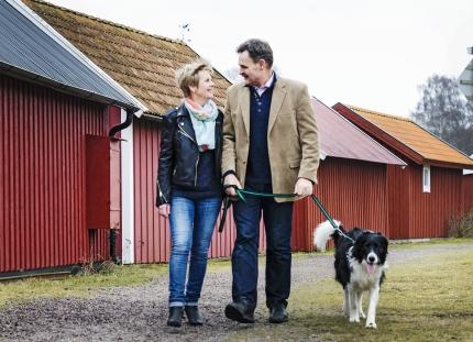 Mats och Gith Olander med hunden Challe