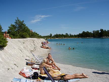 Blå lagunen på Gotland är ett paradis för badälskare!