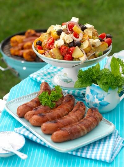 Baconlindad korv med rostad potatis