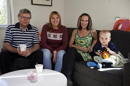 Berit och Stanley Abrahamsson har varit ett ovärderligt stöd för Ann som själv förlorat båda sina föräldrar.