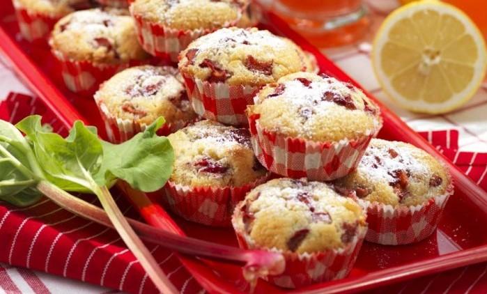rabarbermuffins med vit choklad