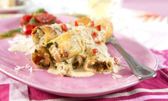 Kycklingfylld cannelloni och gorgonzolasås