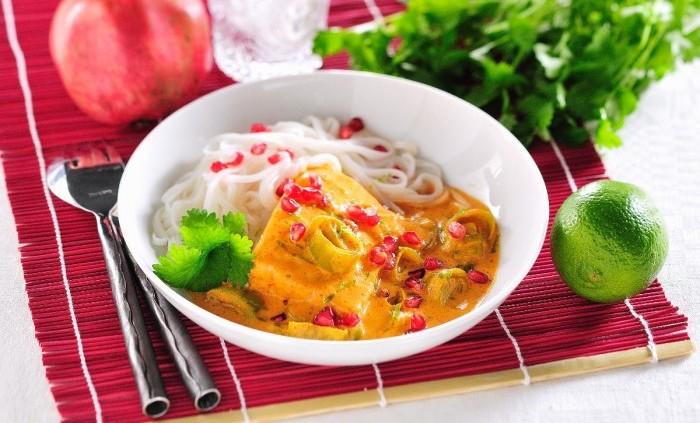 Lax i röd currysås