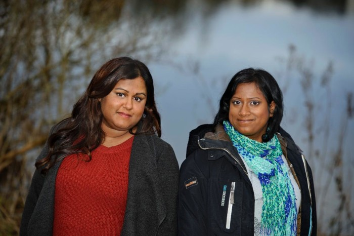 Hanna och Geeta tog hand om sin alzheimersjuka mamma