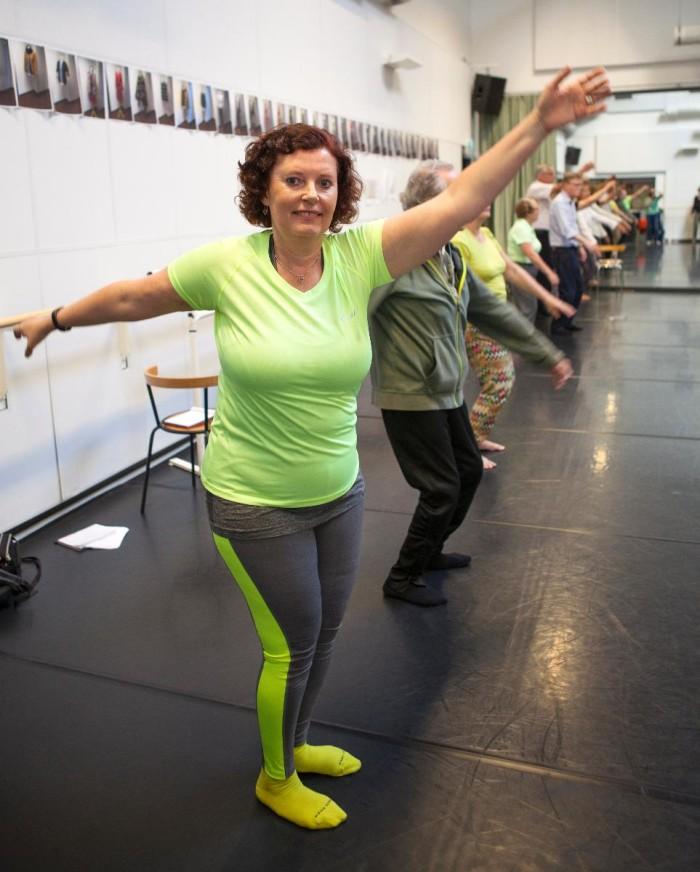 Lena har Parkinsons: Dansen gör mig gladare – och rörligare!