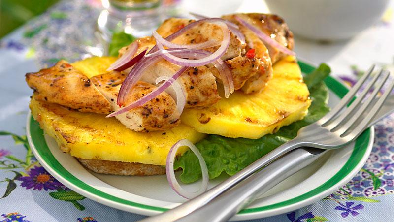 Kyckling- och ananasmacka