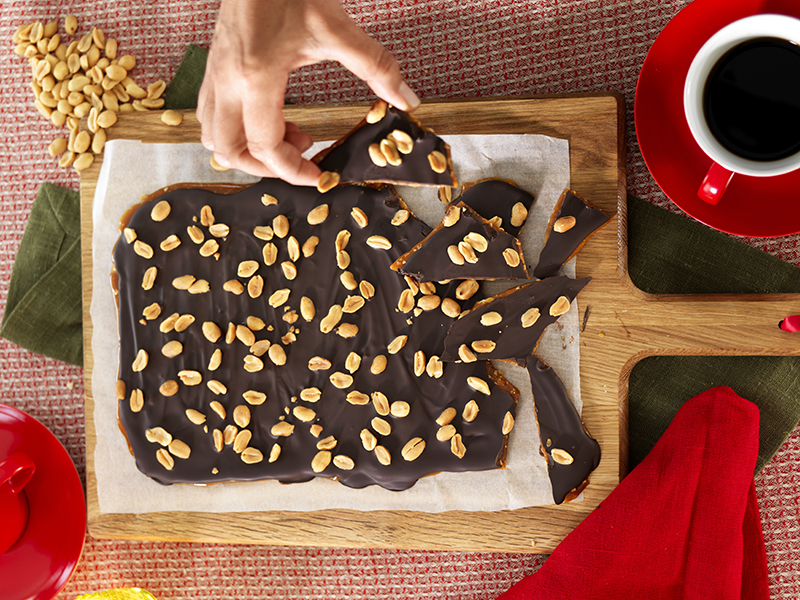 Knäckbräck med jordnötter
