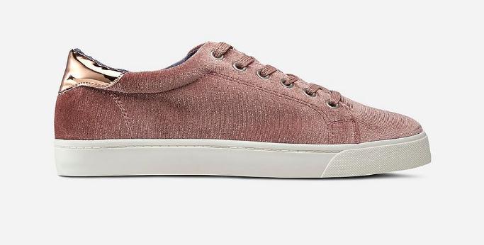 Vårskor 2018: skor i rosa sammet
