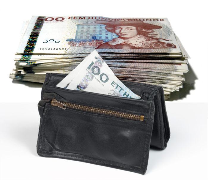 Ogiltiga 500-kronorssedlar och 100-kronorssedlar.