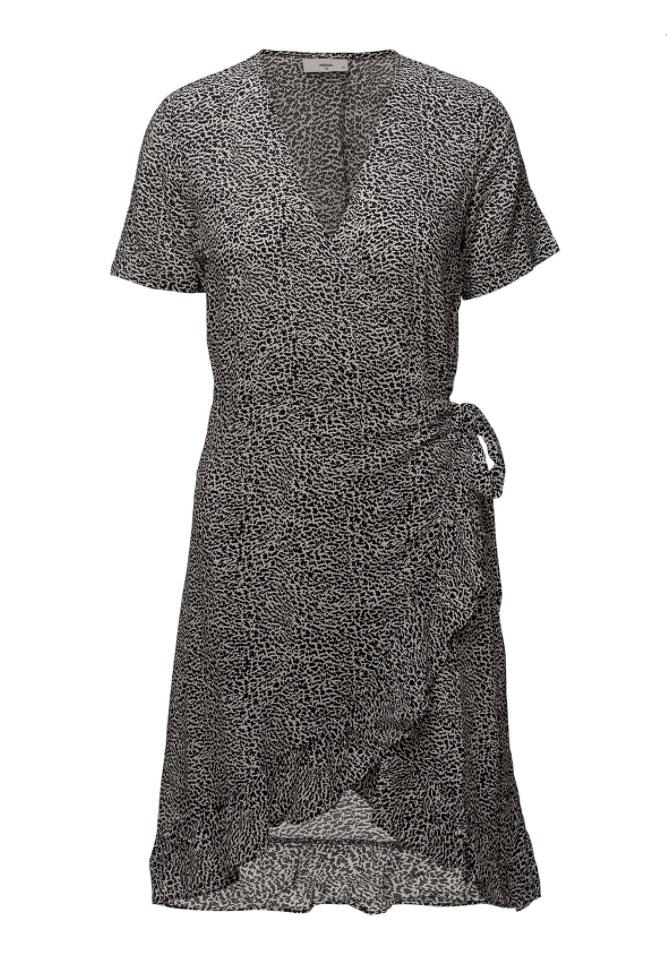 Omlottklänning svart och vit