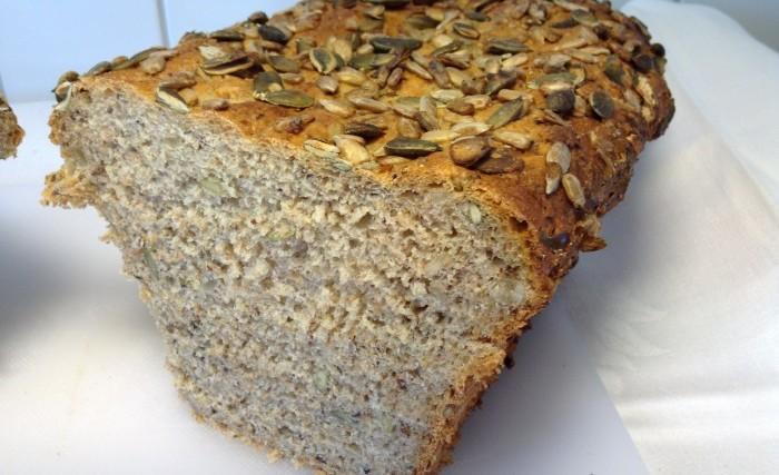 Jättegott GI-bröd med massor av nyttigheter