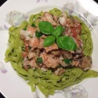 Italiensk fiskgryta med pasta på 8 minuter