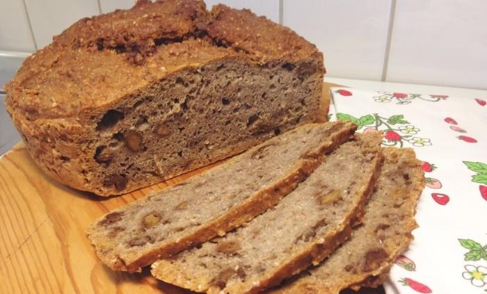 Grytbröd med valnötter