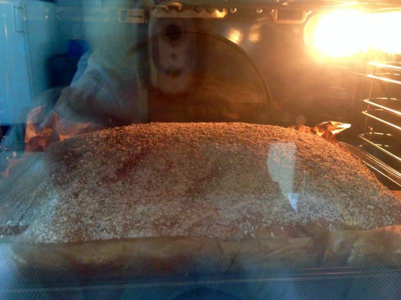 surdegsbröd i långpanna (du behöver inte ha en surdeg)