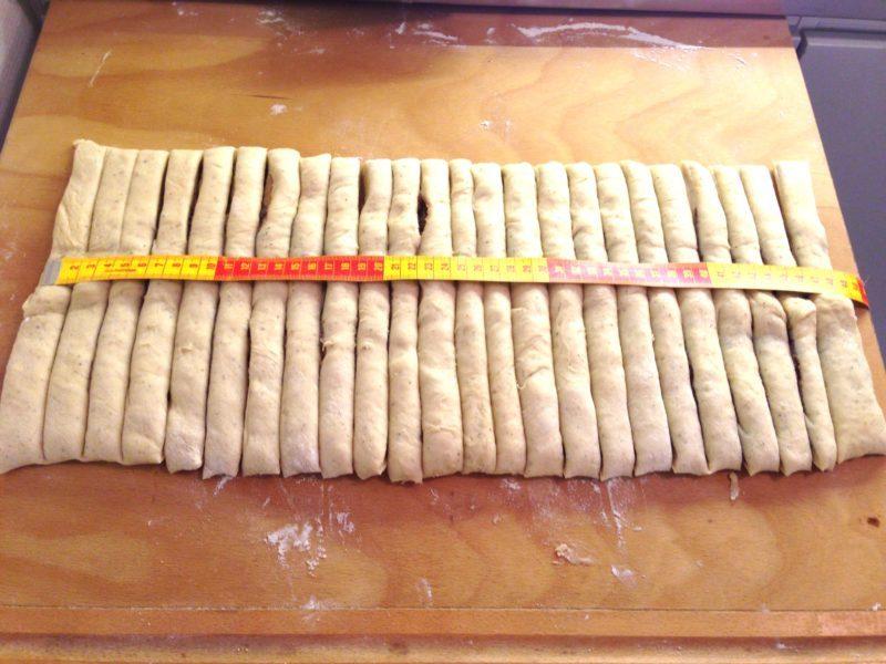 Kanelsnurror med surdeg och hemgjord mandelmassa (du behöver ingen surdeg i förväg)