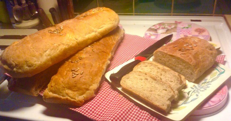 Bröd med rågsikt och vetemjöl