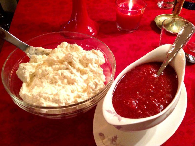 Godaste julaftonsdesserten - ris a la malta med varm jordgubbssås
