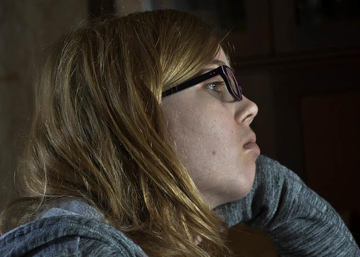 Jag undrar vad min Emily tänker på. Kanske på mig? Kanske på Per? Kanske på den nya skolan hon ska börja i? Vem vet, Jag ska nog fråga henne.